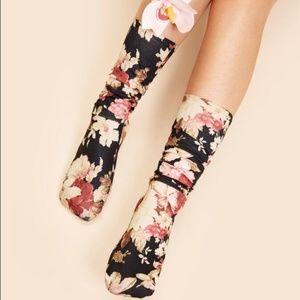 Accessories - Women Flower Socks